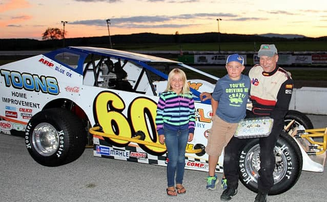 Quenneville tightens Devil's Bowl standings with third Modified win