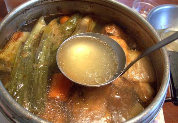 Bone broth: healing & beautifying