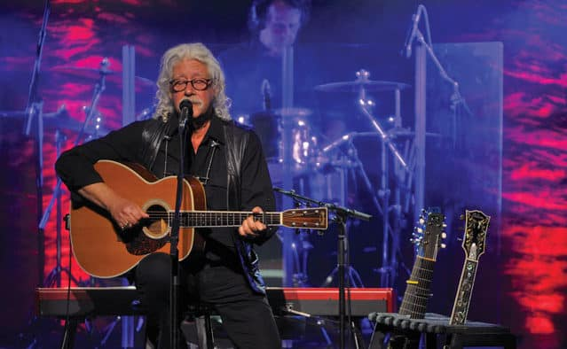 Arlo Guthrie wows Paramount crowd