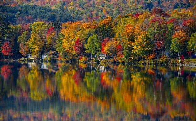 "Vermont lays claim to ""World's Best Foliage"""