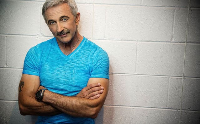 "Country's ""Hillbilly Hercules,"" Aaron Tippin to take to Paramount stage"