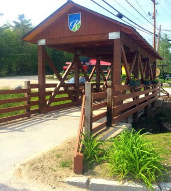 New covered pedestrian bridge celebrated